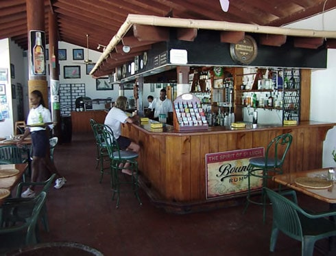 Spinnakers Beach Bar