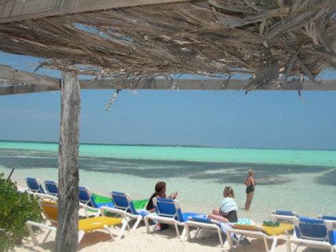 The 39 beach hut 39 bar and grill a bonaire beach bar escape - The dive hut bonaire ...