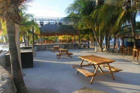 Wet and Wild Beach Club – A HOT Curacao Beach Bar