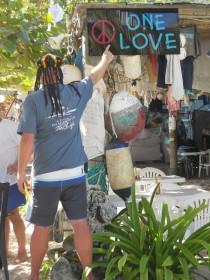One love Bar Jost Van Dyke BVI