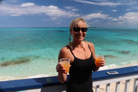 A Day on the Beach: Sandy Toes Beach Bar, Rose Island Bahamas