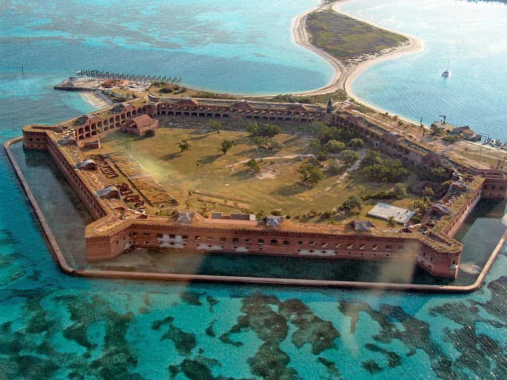 5 BIG Reasons To Visit The Dry Tortugas